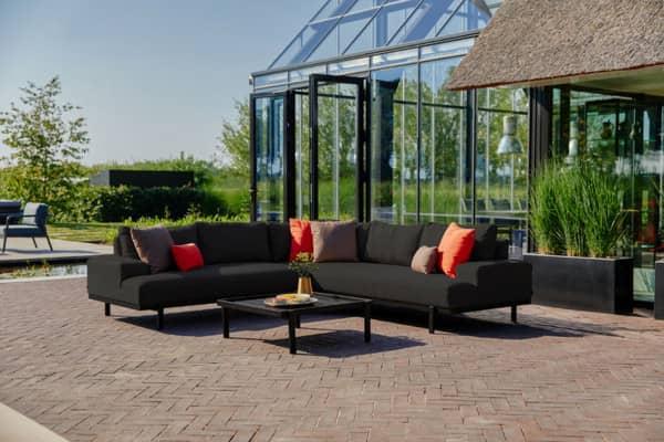 Hartman Aluminium Ecklounge Lucas in der Farbe Schwarz mit Couch-Tisch bei Gartenmode