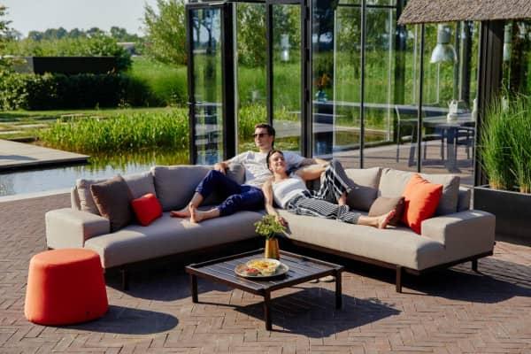 Hartman Aluminium Ecklounge Lucas in der Farbe Taupe mit Couch-Tisch bei Gartenmode